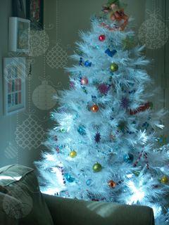 Beginning tree decorations